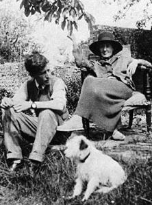 Leonard and Virginnia Woolf photographed by Vita Sackville-West, 1926